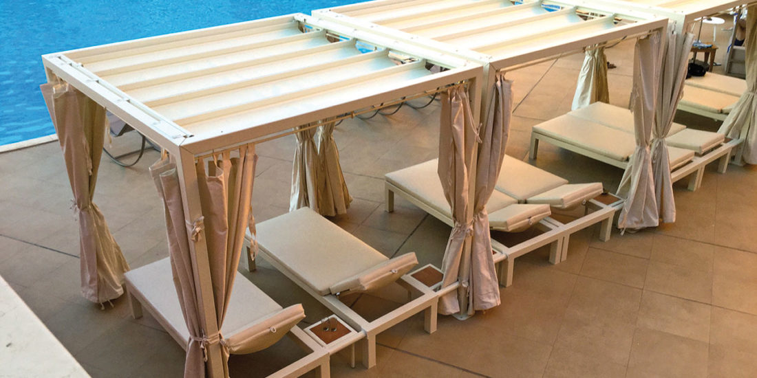 freestanding-pergola-beach-relax-with-integrated-beds-seaside-bathing