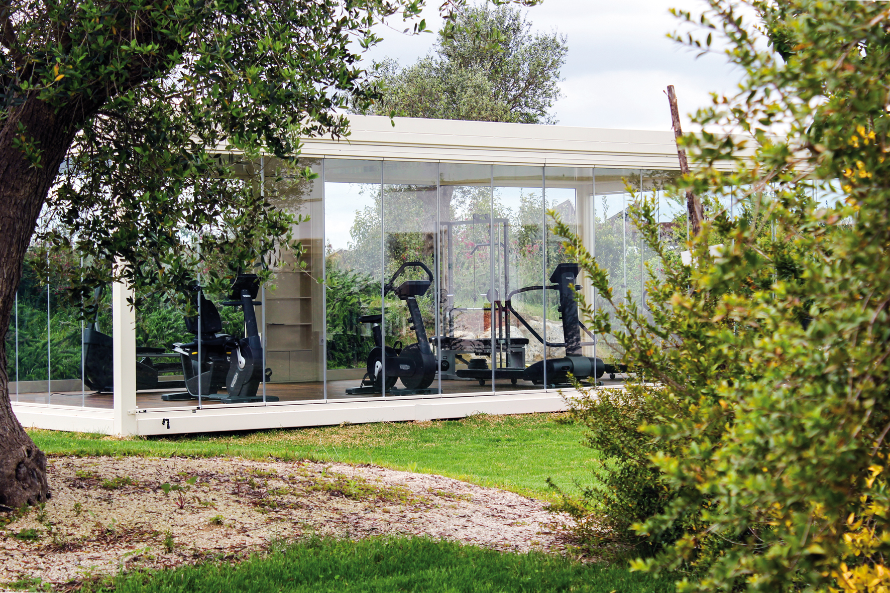 pergole-autoportanti-qbox-fisso-palestra-outdoor-resort