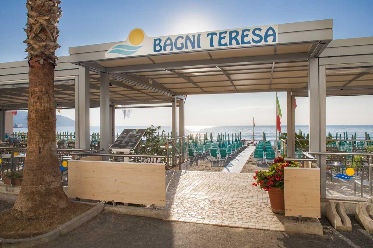 bagni-teresa-sprech-pergole-attrezzature-per-stabilimenti-balneari